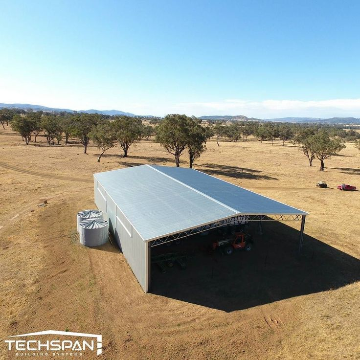 Machinery shed we built out at Horton Valley NSW (see if you can find the drone pilot) #hortonvalley #hortonvalleynsw #farmshed #industrialshed #commercialrealestate #commercialproperty #farmlife #farms #farming #farmers #rural #machineryshed #nsw #techspanbuildings #agriculture #farmer #farm #countrylife #countryliving #countryside #country