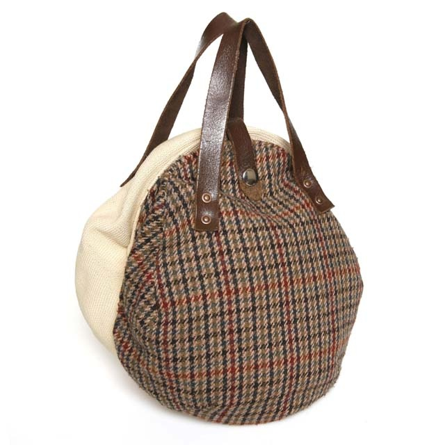 Flat Cap Bag - ingenious bag made from 2 flat caps with an old belt for the handles