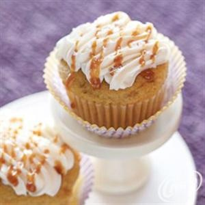 Salted Caramel Apple Spice Cupcakes from Crisco® #applerecipes