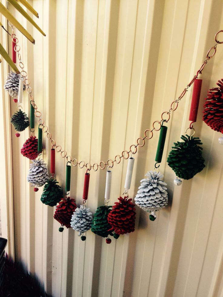 Diy christmas decorations made from recycled material for Diy crafts using recycled materials