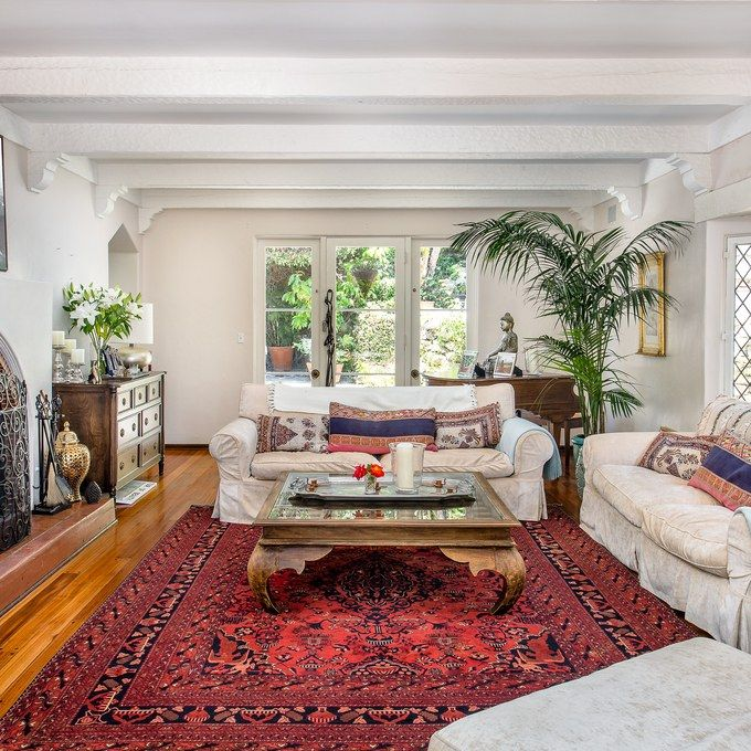 Supermodel Rachel Hunter's $5 Million English Country–Style Home in Los Angeles