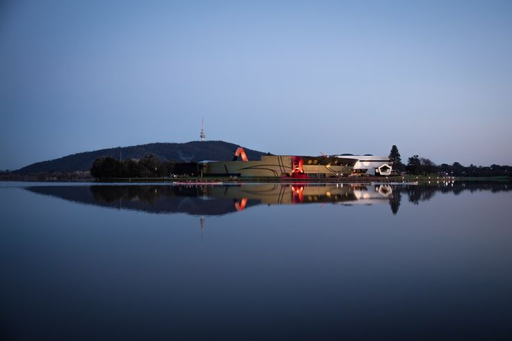 Komodo Paddle Club dragonboat crews heading out early on Lake Burley Griffin, Canberra