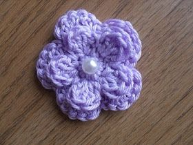Free Five Petal Crochet Flower Pattern ༺✿Teresa Restegui http://www.pinterest.com/teretegui/✿༻