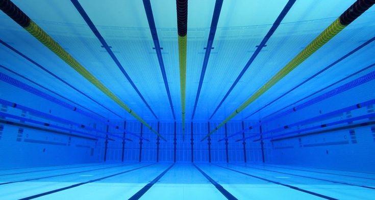 「オリンピック・スイミングプール」イギリス, ロンドン, アクアティクス・センター (© GEOFF CADDICK/epa/Corbis) © (Bing Japan)