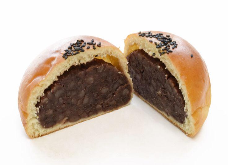 ずっしり十勝つぶあんぱん | Bakery Refrain(ルフラン)ベーカリーアウトレットショップ ワイズ(Y's) (石橋) 株式会社ワールドフーズBakery Refrain(ルフラン)