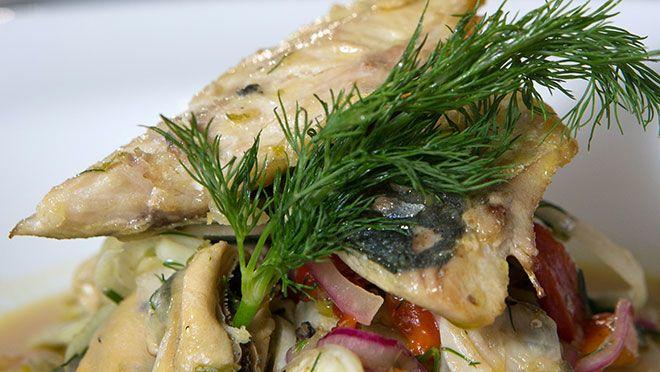 Salade van venkel met gerookte makreel, mosselen en kokkels - recept   24Kitchen