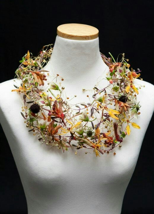 Necklace made from fresh flowers, wire and beads by Petra Konrad (Florist in Germany)....awesome!!!!