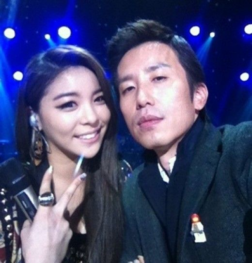 """Ailee displayed her immense talents on the November 16th episode of Yoo Hee Yeol's Sketchbook.    On the episode, Ailee performed her own rendition of G-Dragon's hit track """"Crayon"""". That wasn't all as she also performed her own hit track """"I'll Show You"""" and she further displayed her vocal talents with a cover of Alicia Keys' """"Girl on Fire""""."""