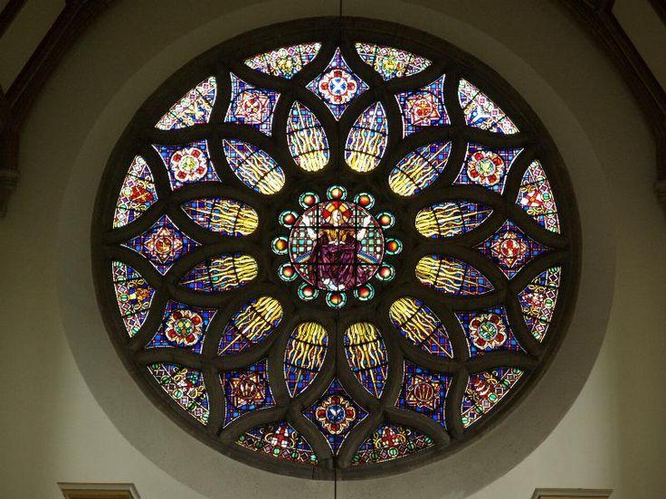 Description: Bishop's Stortford, England: All Saints', Hockerill: Rose Window (1937, Hugh Easton)