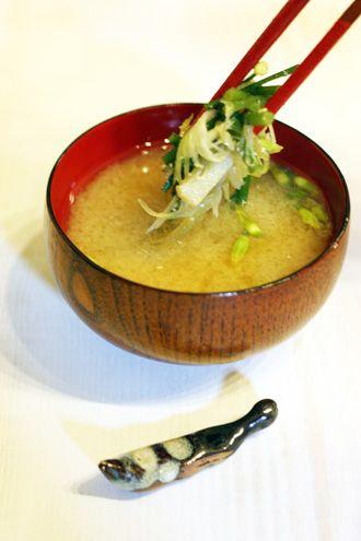 にらの花とみょうがのお味噌汁 | 美肌レシピ