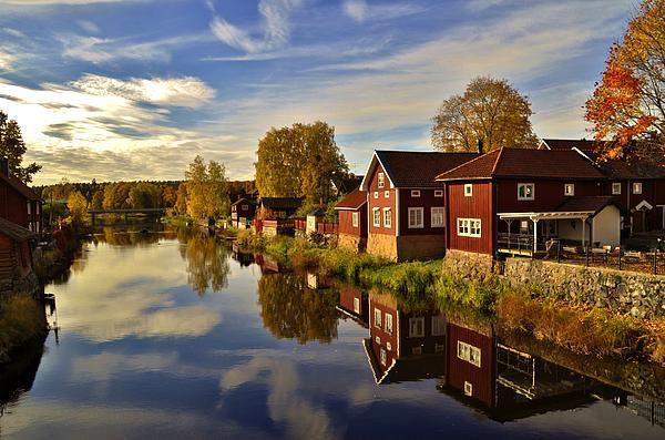 http://2-stefan-pettersson.artistwebsites.com/featured/fall-in-arboga-stefan-pettersson.html