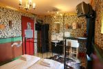 http://www.st-christophers.co.uk/hotels Brugges, Londres, Brighton, Amsterdam, Berlin  Cheap private room or apartment