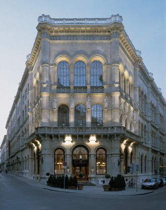 Café Central, a key meeting place for intellectuals in late-19th-century Vienna