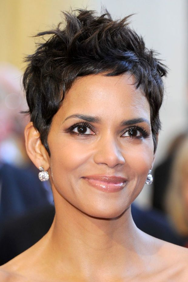 Halle Berry at the 2011 Oscars. http://beautyeditor.ca/2014/02/20/short-haircut-ideas-for-fine-hair