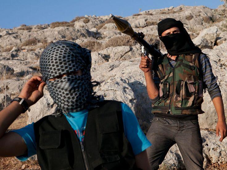 Combatientes en la frontera entre siria e irak