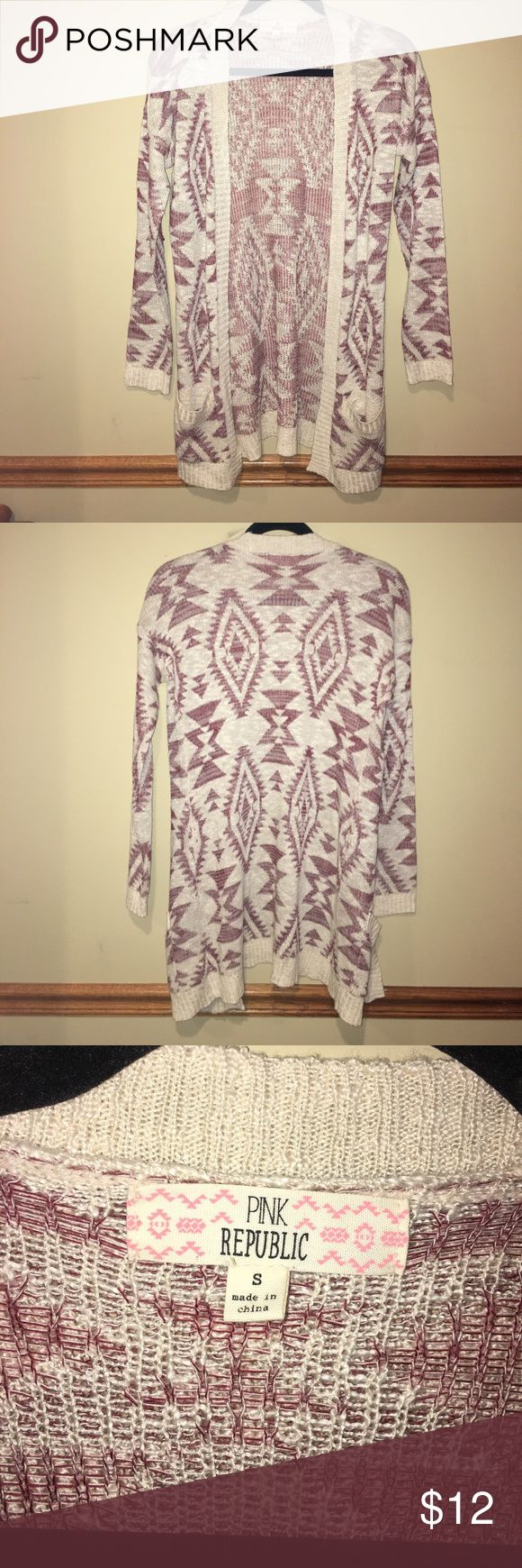 NWOT tribal print cardigan adorable tribal print cardigan w slouchy pockets! soft and comfy! long enough to cover your butt! never worn; only removed tags! burgundy and cream! effortlessly cute fall/winter outfit! Pink Republic Sweaters Cardigans