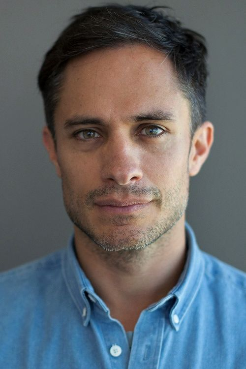 Gael Garcia Bernal is so zaddy my God...