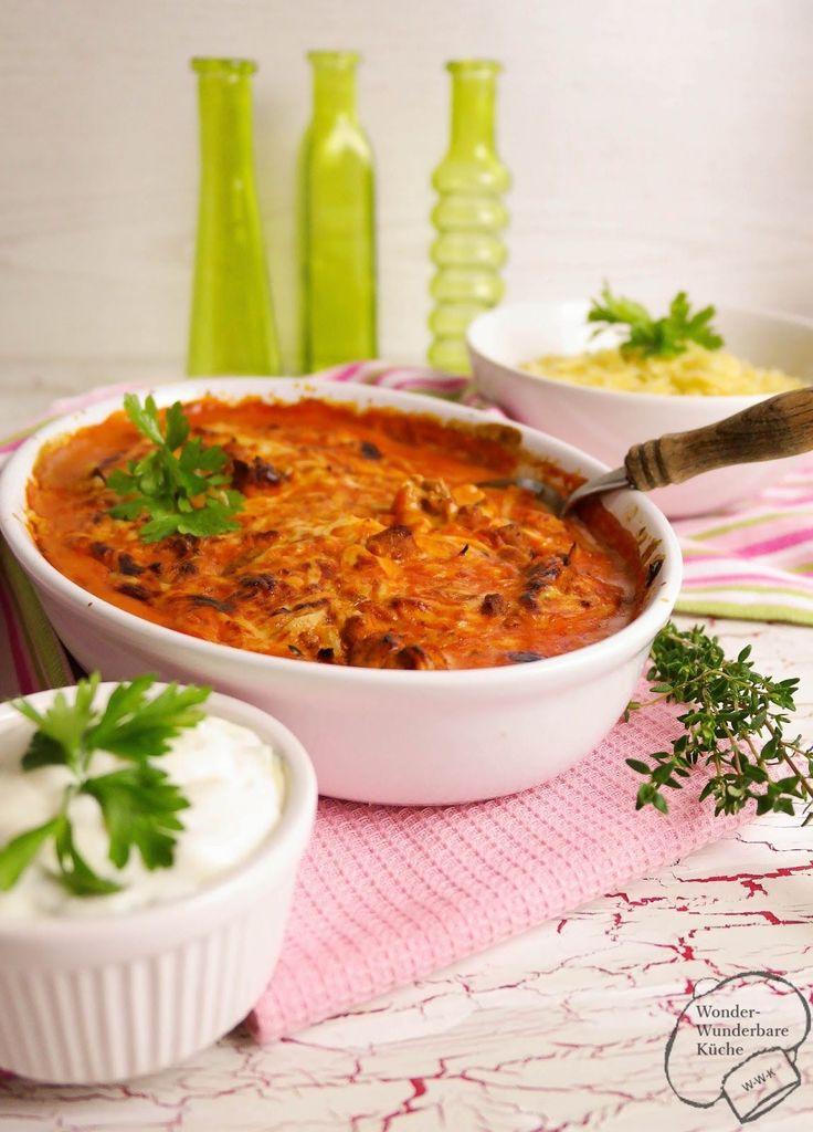 Gyros in Metaxasoße     mit Kritharaki-Nudeln    Liebe Schleckermäuler,   kennt ihr Gerichte, in die ihr euch regelrecht reinlegen - ja ...