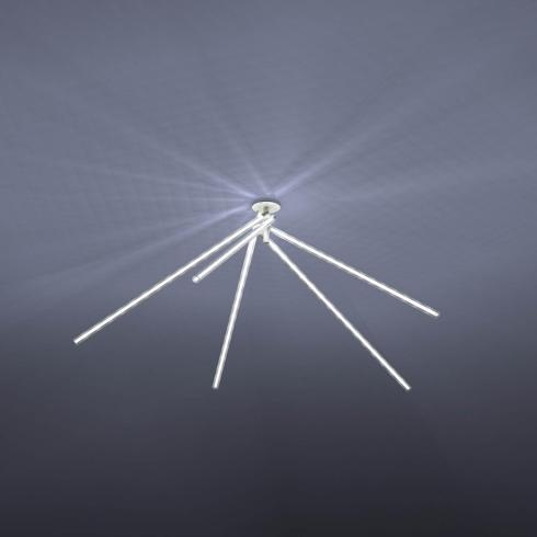 Marchetti, Mikado, design Roberto Giacomucci. Lampada bianca da soffitto, composta da una serie di tubi orientabili a 360°, che garantiscono grande versatilità di utilizzo e la possibilità di creare numerosi effetti scenici
