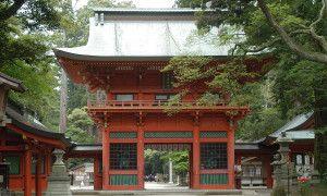 鹿島神宮は、日本建国・武道の神様である「武甕槌大神」を御祭神とする、神武天皇元年創建の由緒ある神社です。