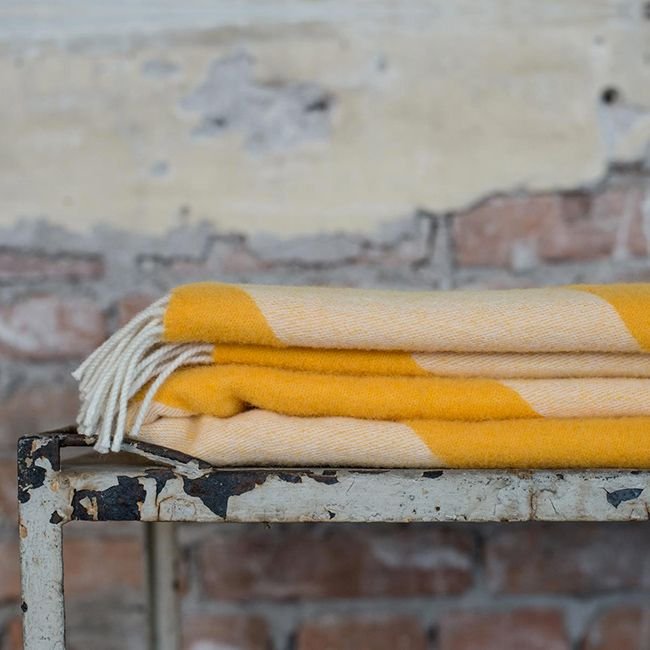 1000 id es propos de plaid canap sur pinterest plaid. Black Bedroom Furniture Sets. Home Design Ideas