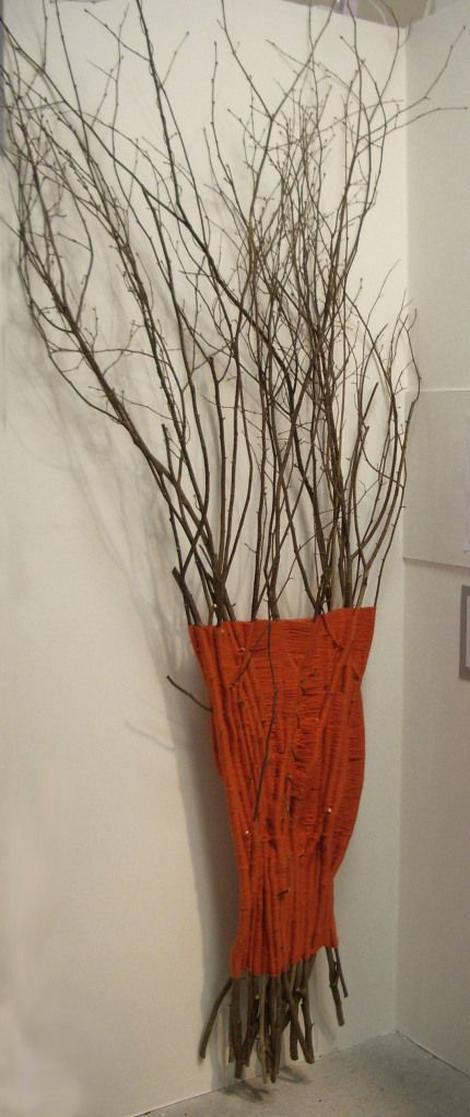 Can be done with thicker branches to place in washroom and use as a clothes hanger .