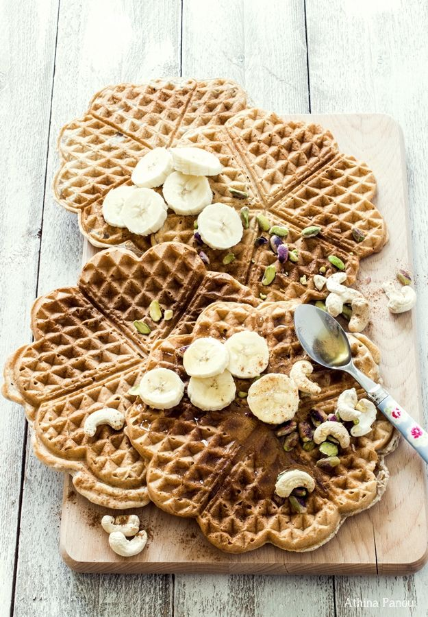 wafWaffles with Zea flour (or whole) and honey without sugar, eggs and butter