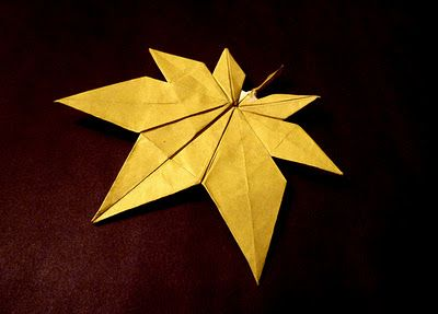 Origami Maniacs: Origami Maple Leaf by Kyu-seok (Jassu) Du papier et des idées