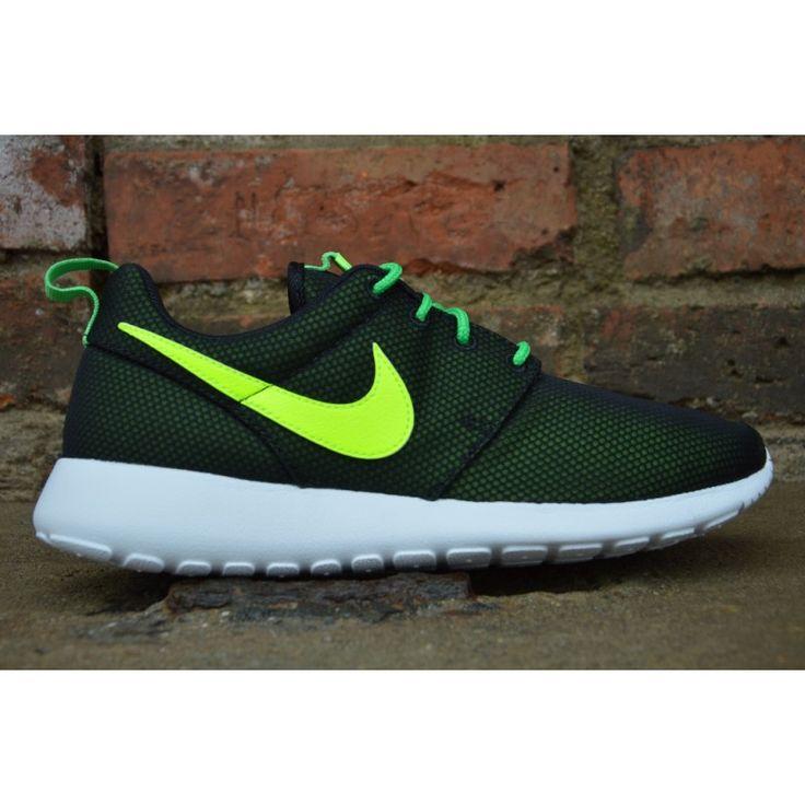Nike Rosherun  Model: 599728-016