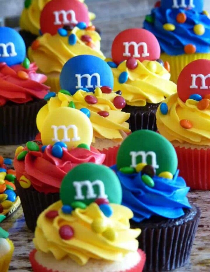 M m cupcakes cupcakes and cakes pinterest for M m cake decoration