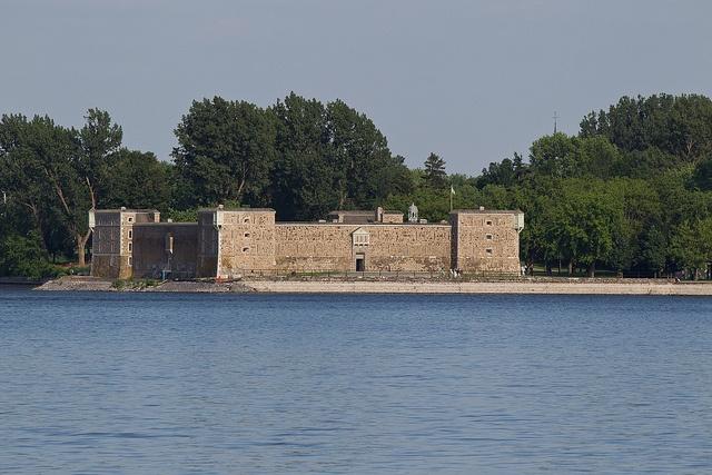 Construit en 1711, le fort Chambly protégeait la Nouvelle-France d'une éventuelle invasion britannique.