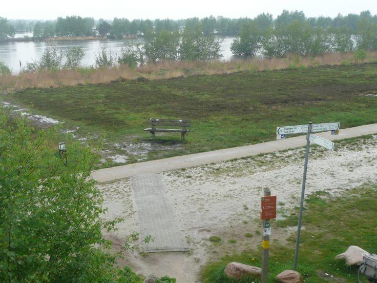 zandpad tussen Bargerveen en duitse grens. Er ligt tegenwoordig een mooi fietspad naast.