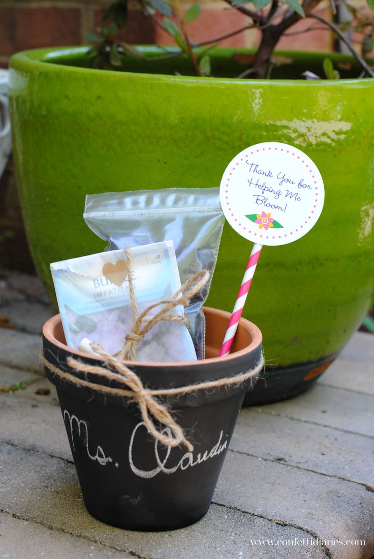 Gardening Basket Gift Ideas garden gift basket josaelcom Gardening Gift Ideas Diy Chalkboard Plant Pot And Garden Gift Basket For Teacher Appreciation Week