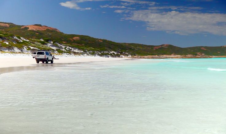4WD in beaches in Australia like in Fraser Island is a fabulous place to have fun. http://www.ozehols.com.au/blog/queensland/fraser-island-holiday-houses-fishing-sailing-angling-in-sandy-beaches/ #fraserisland #visitfraserisland #fraserislandholidays