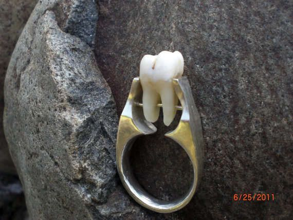 Human tooth ring - 18 Grotesque Jewelry Pieces