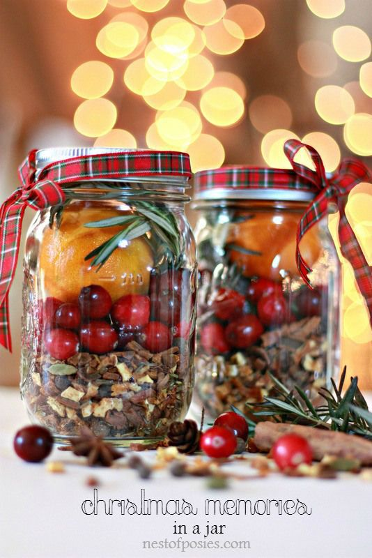 Christmas in a Jar. DIY Homemade gift for teahcers, neighbors & co workers