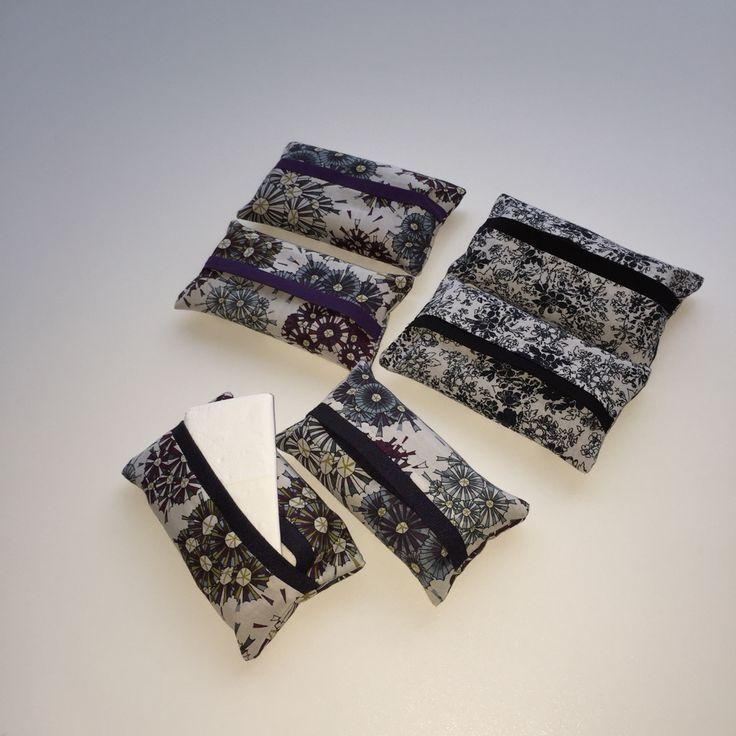 Papierenzakdoekhoudertjes gemaakt met stofjes van oude hemden.