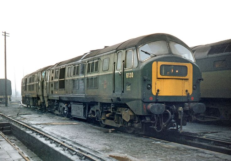 D6130 at Eastfield on 11th Oct 1970. Built at The North British Locomotive Company, Glasgow and delivered to Ipswich Depot on 27th Oct 1959. Withdrawn on 5th Oct 1971 and cut up at St Rollox Works, Glasgow on 1st Oct 1972. (John Chalcraft)