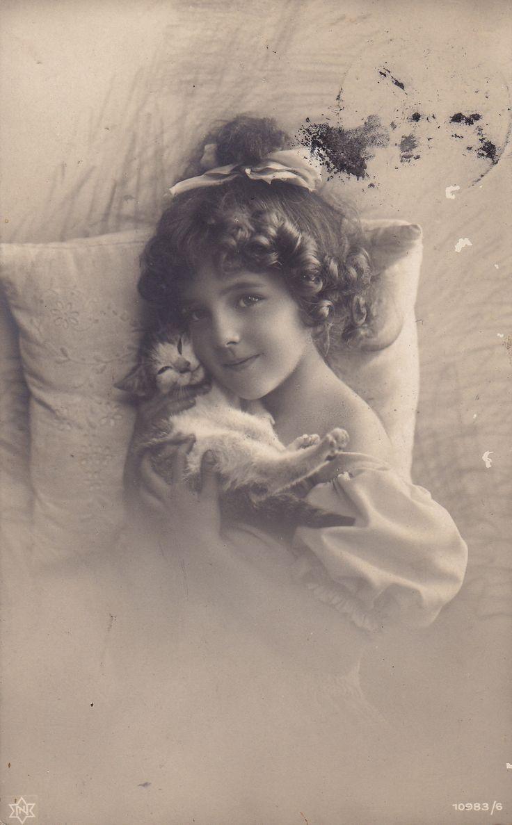 Vintage kitty.