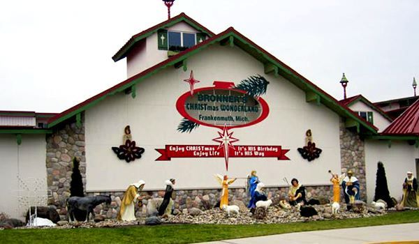 Bronner's Christmas Wonderland - Frankenmuth, Michigan - The World's Largest Christmas Store.