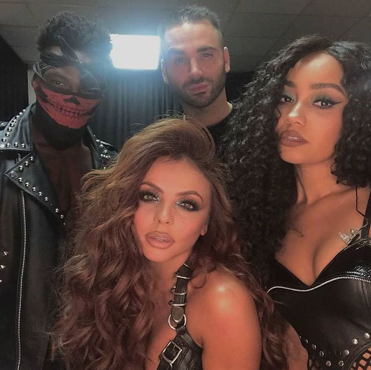 Jesy takes the hottest selfies