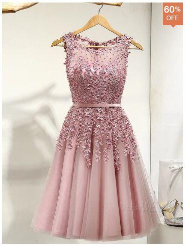 Delicate A Line Scoop Neck Applique Short Prom Dress