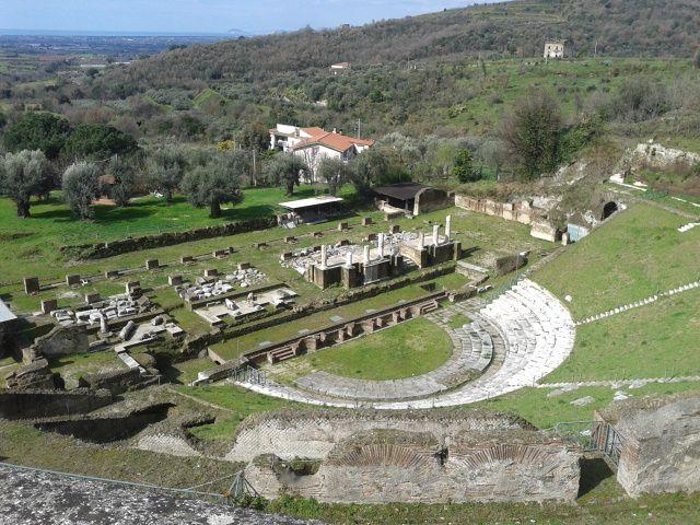 Anfiteatro romano, Sessa Aurunca