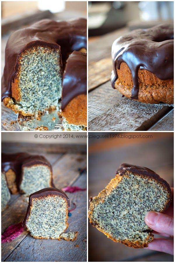 Są takie dni, kiedy mam ochotę na taką zwykłą babkę makową z polewą czekoladową. Babki piekę rzadko, bo nie znoszę ucierania w makutrze ...