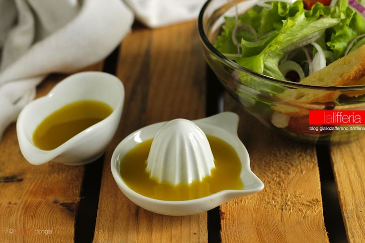 Vinaigrette e citronette sono salse semplici e veloci per condire verdure e insalate. Preparatevi, perchè le vostre insalate non saranno più le stesse!