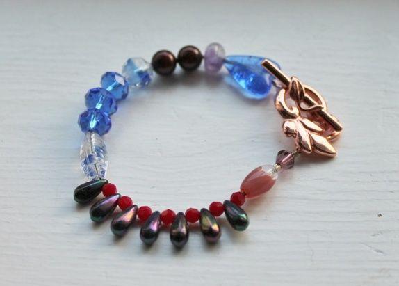 Armbånd med ulike perler