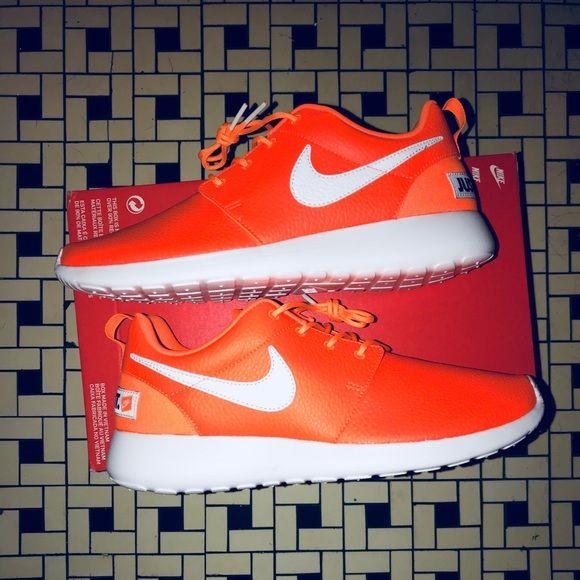 """Women's Nike ROSHE One """"Just Do It"""