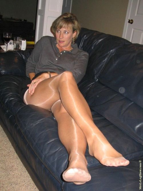 What top 100 pantyhose pics love see