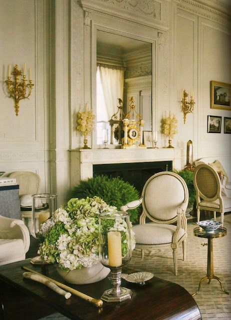 The late french interior designer henri samuel helped american financier john gutfreund and wife susan design their parisian pied a terre