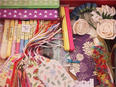 Wrapping Top Box.  Todo lo necesario para envolver un regalo, lleno de detalles!